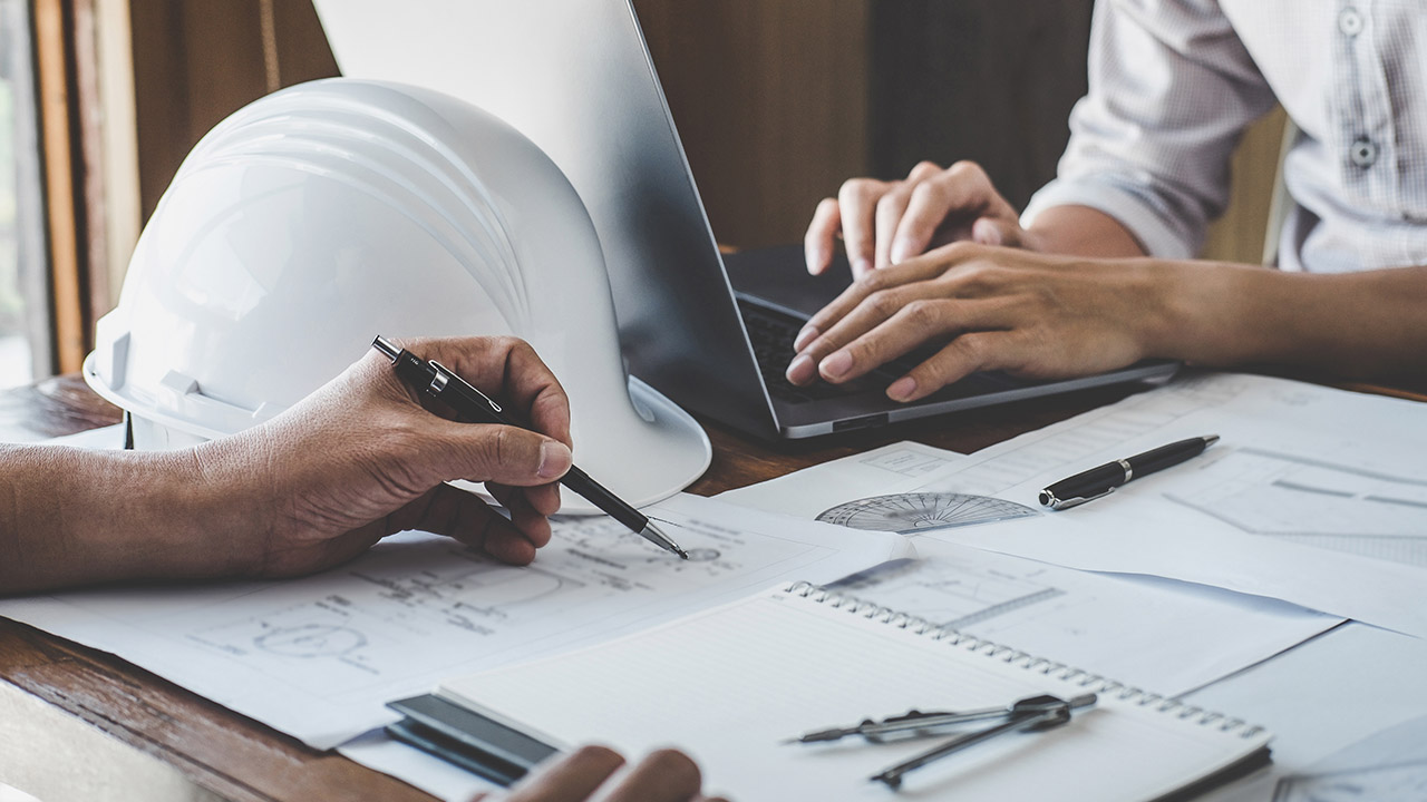 Contractor and employer ensuring contractor compliance in architecture planning